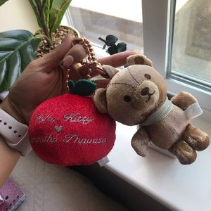 Samantha Thavasa hello kitty keychain